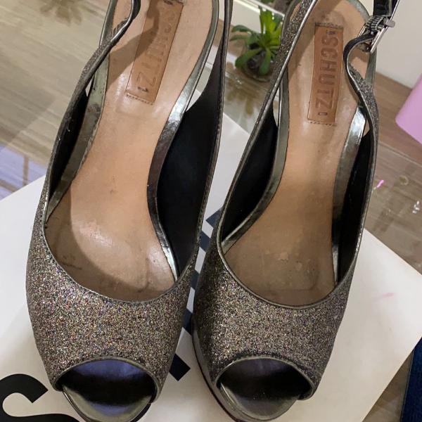 Sandália schutz glitter
