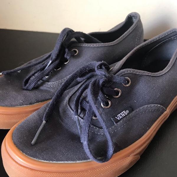 Tênis azul marinho/jeans vans unissex