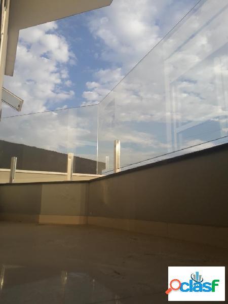 Belíssimo e espaçoso sobrado frontal de alto padrão na cidade patriarca!!!
