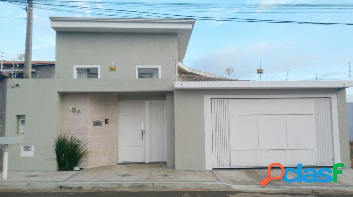 Linda casa de alto padrão em Artur Nogueira/SP