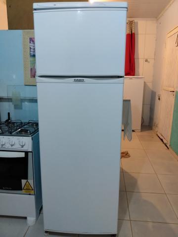 Linda geladeira dako duplex.