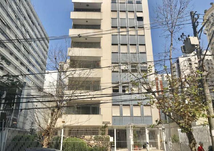 Apartamento para venda possui 160 metros quadrados com 3