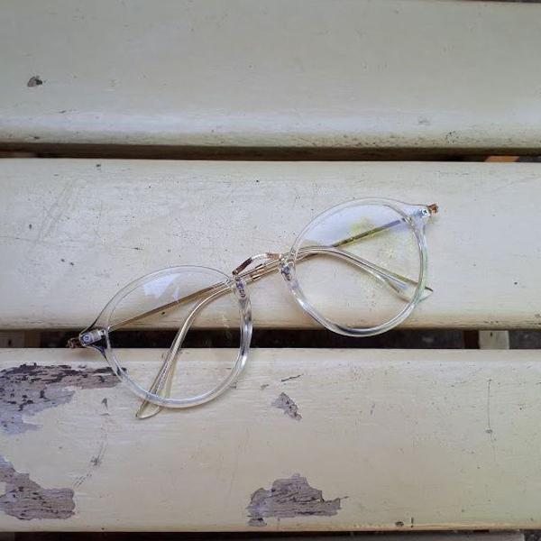 Armação de óculos redonda transparente