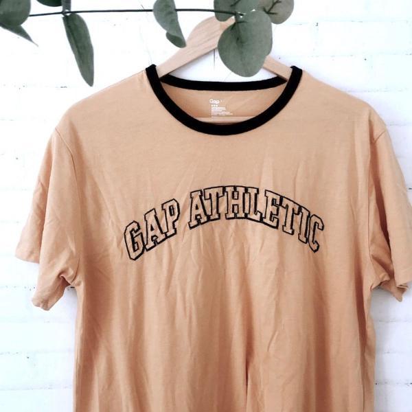 Camiseta gap retrô