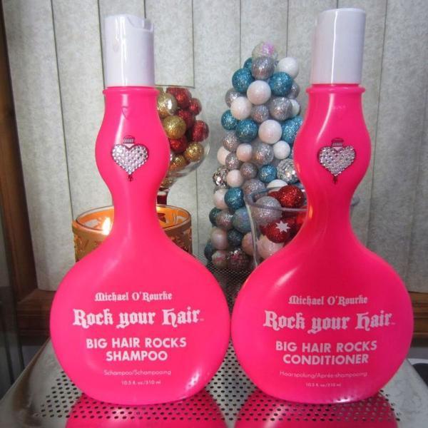 Kit rock your hair
