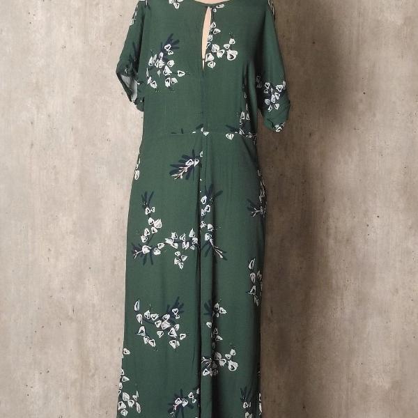 Macacão pantacourt verde floral maria filo