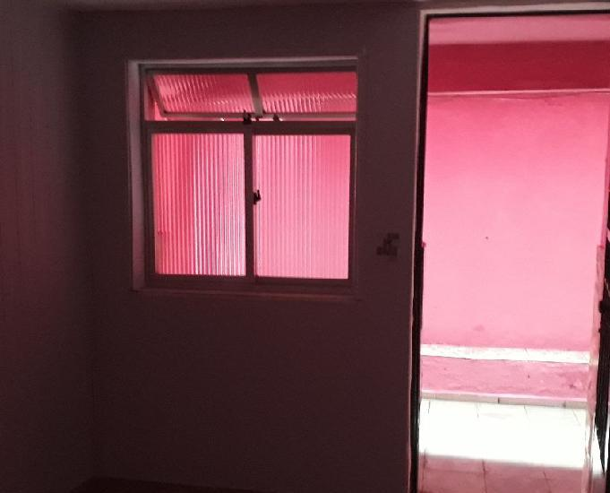 Aluga-se Casa tipo apartamento em São Cristóvão