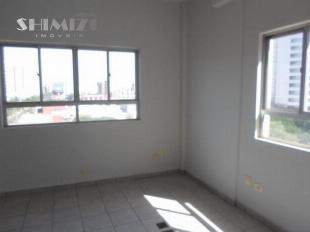Alugo salas comerciais no Novo Centro de Maringá / Direto