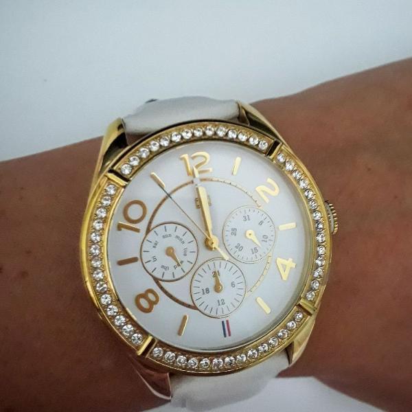 Relógio tommy hilfiger dourado e branco