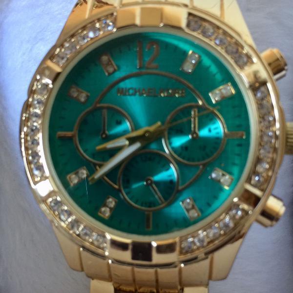Relógio analógico feminino mk dourado e verde com strass
