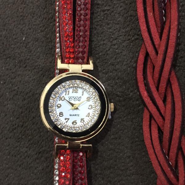 Relógio feminino analógico pulseira de couro vermelho com