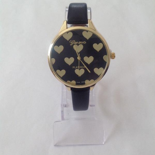 Relógio feminino geneva detalhe coração