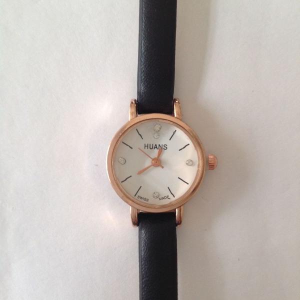 Relógio feminino pulseira fina pequeno