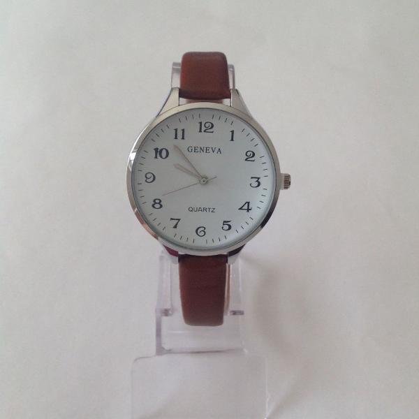 Relógio feminino visor redondo pulseira fina