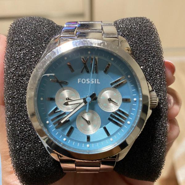 Relógio fóssil feminino