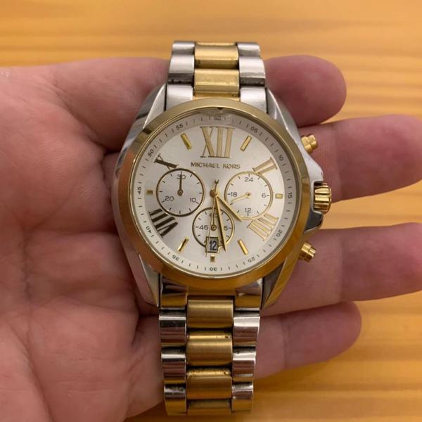 Relógio mk 5627 dourado com prata
