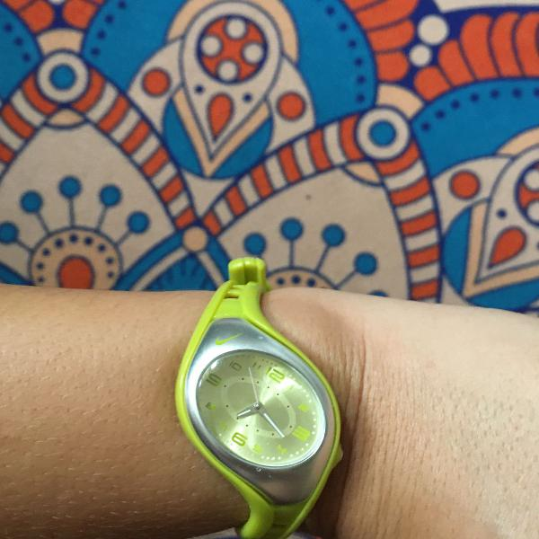Relógio nike limão