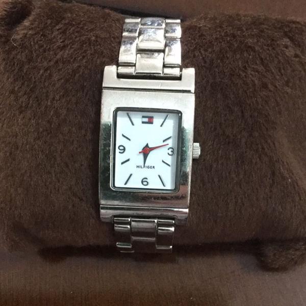 Relógio tommy hilfiger com pulseira reversível