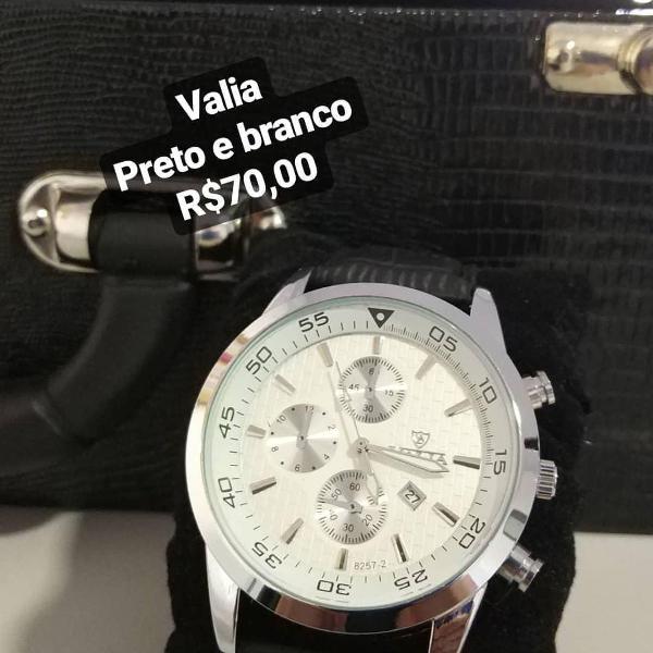 Relógio valia branco preto e prata