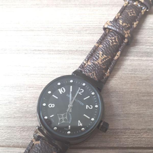 Relogio louis vuitton preto pulseira couro monogram