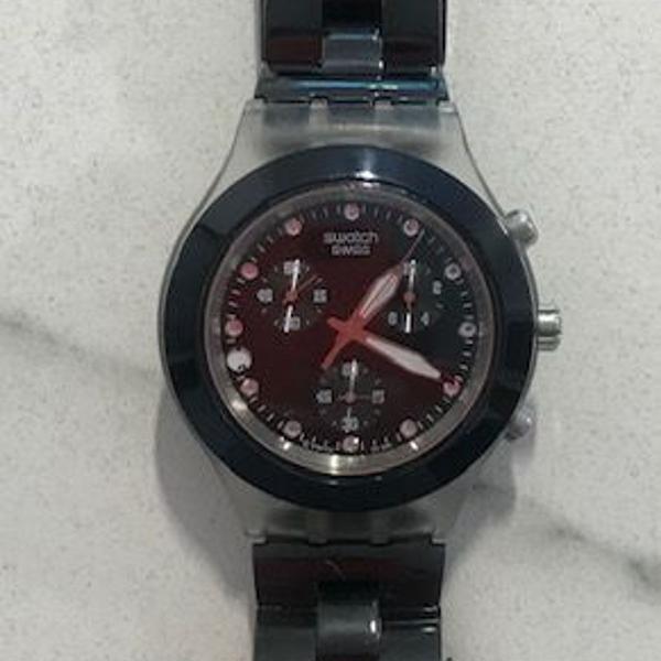 Relogio swatch preto com cristais