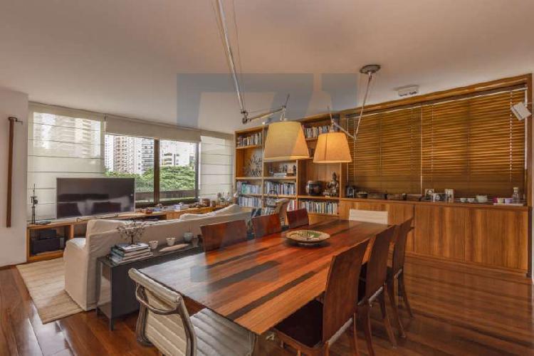 Apartamento diferenciado no Itaim