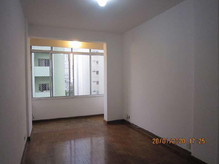 Apartamento para aluguel tem 82 metros quadrados com 1