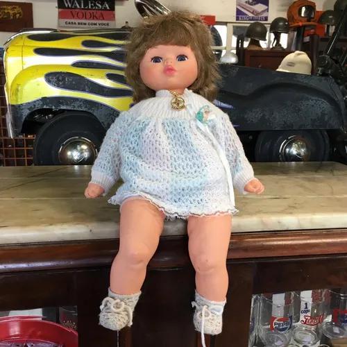 Boneca estrela antiga fecha olho brinquedo 2078