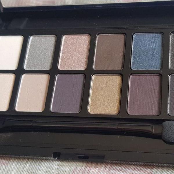 Paleta de sombras maybelline nova!!! alta pigmentação e