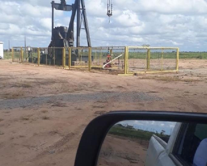 95 Alqueiro. fazenda com poco de petroleo