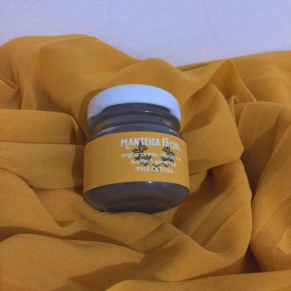 Manteiga facial argila preta