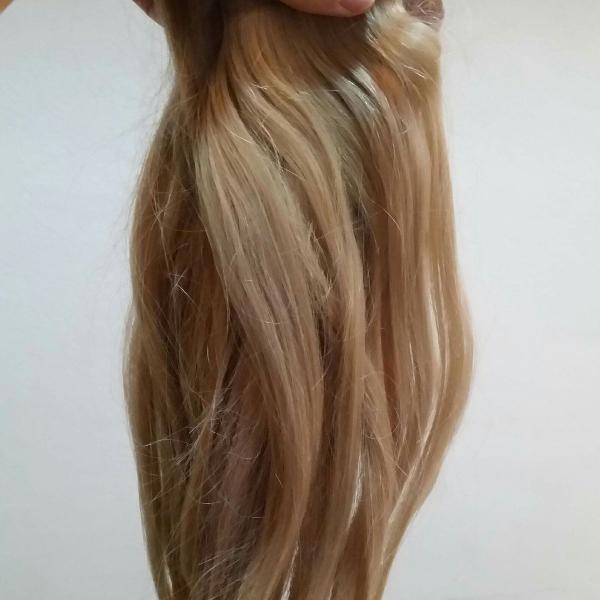 Mega hair de adesivo