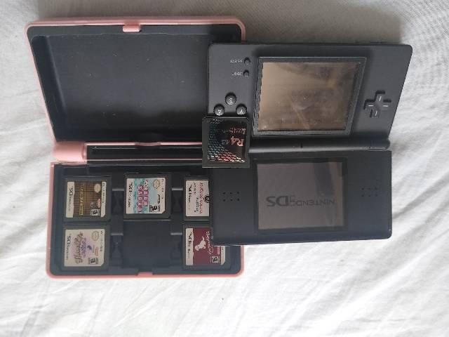 Nintendo ds com case,jogos e r4 sem cartão