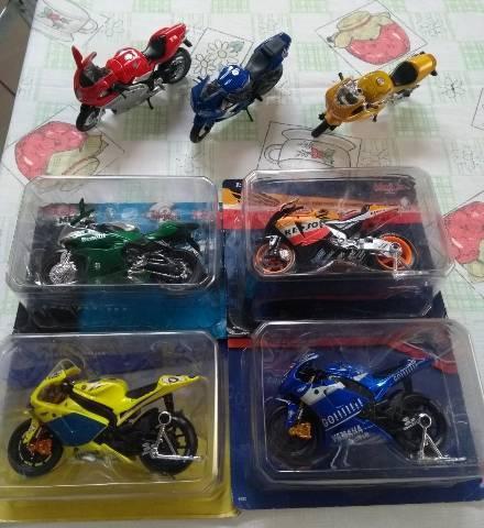 Vendo carros,motos e aviões p coleção