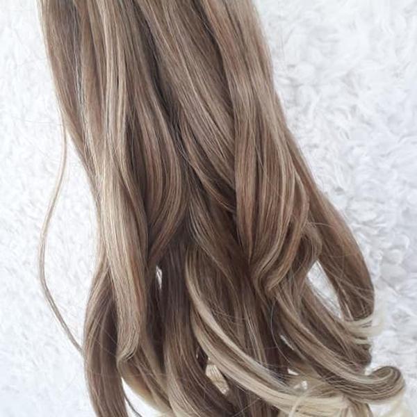 Mega hair loiro cinza ondulado 60 cm 150 gramas tic tac