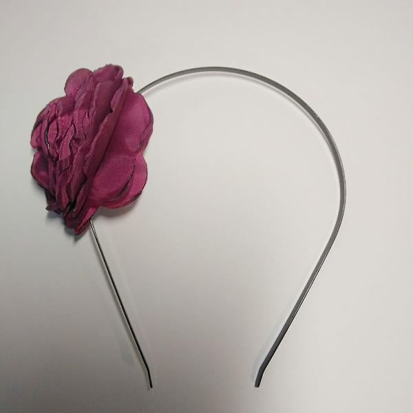 Tiara rosa flor