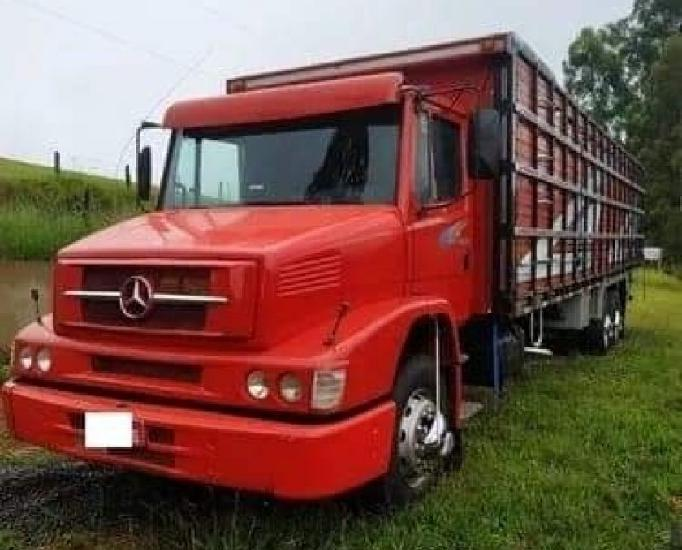 Caminhão boiadeiro 1620 2010