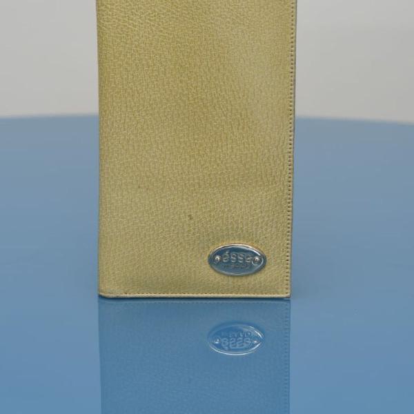 Carteira porta passaporte saad em couro amarelo s