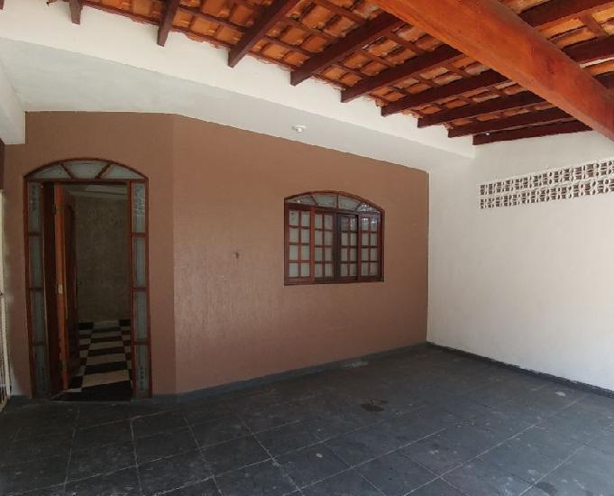 Casa 02 dormitorios - Jd. Santo Amaro - Alugo