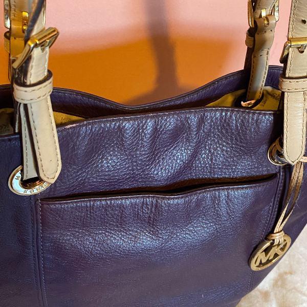 Bolsa original michael kors couro roxa e alças bege
