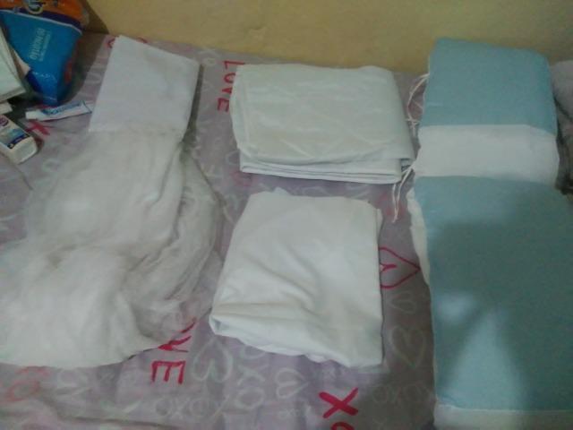 Berço menino, branco e azul de um mes e meio d uso