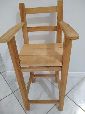 Cadeira infantil em madeira