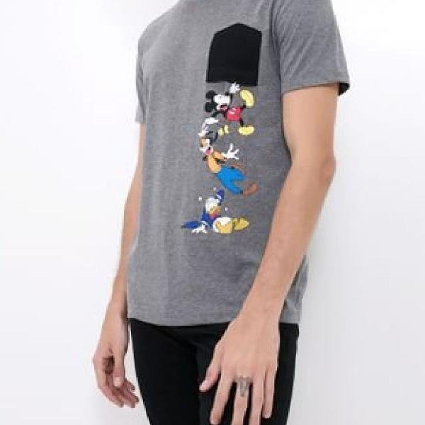 Camiseta c/bolso - turma do mickey