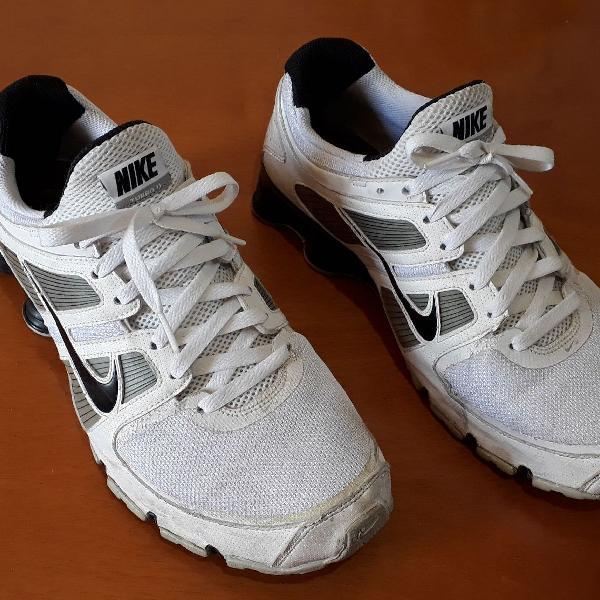 Nike shox branco
