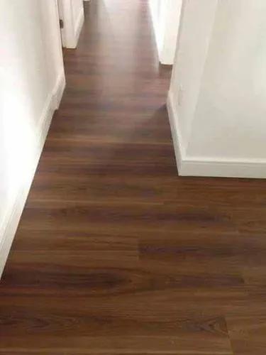 Instalador de piso laminado e piso vinílico.