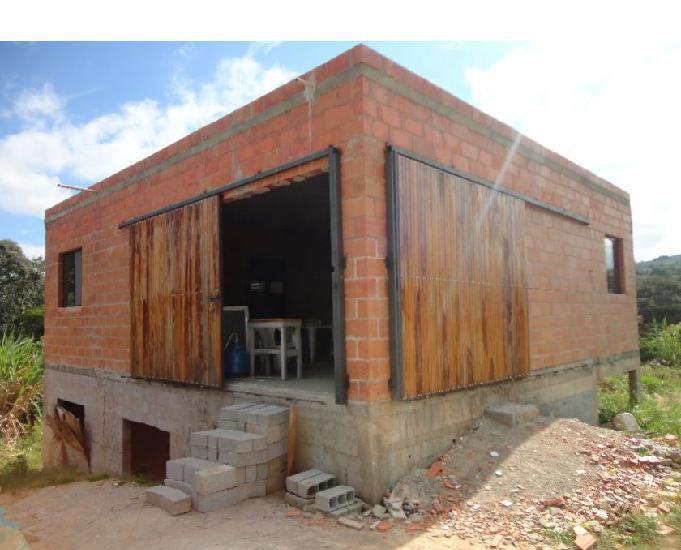 Salão e casa para locação em LouveiraSP