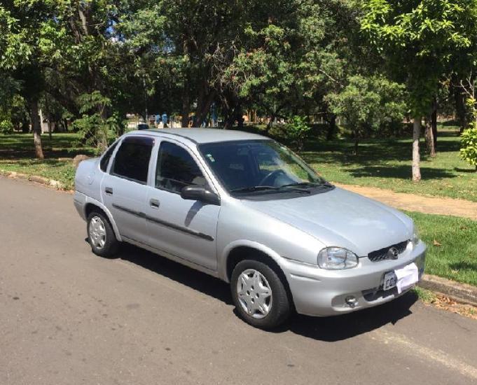 corsa sedan 2001