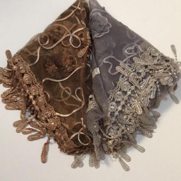 Kit 2 lenços triangulares - marrom e cinza/prata