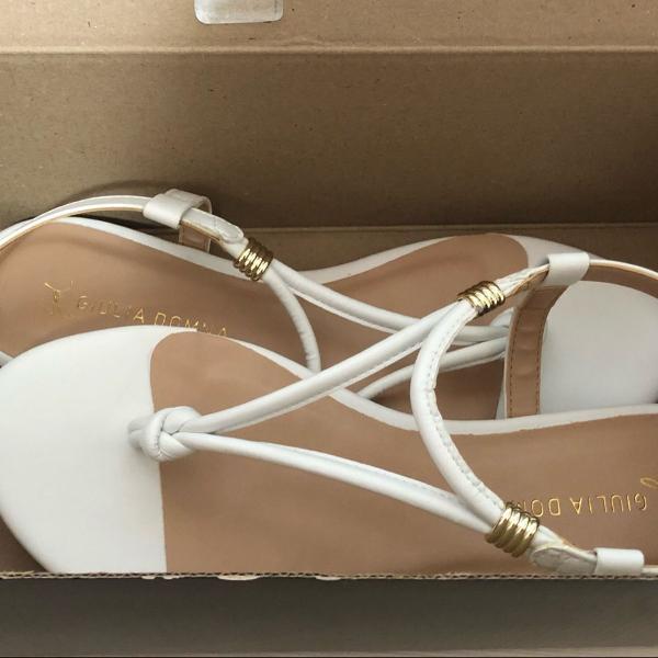 Sandália branca couro