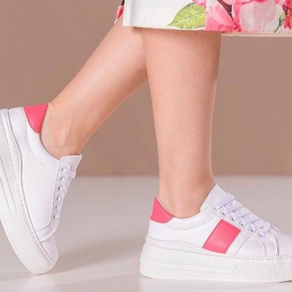 Tênis sola alta, branco com detalhe pink, nunca usado